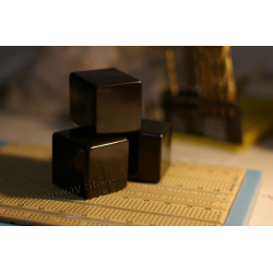 3PCS/1Set Small black bricks  Shockproof stand/leg/snail Metal chassis Audio source amplifier  decode power processing